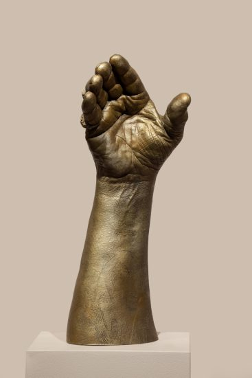 Genesis Breyer P-Orridge, Touching of Hands, 2016, bronze (Courtesy the artists and Invisible-Exports, New York. Photo by David De Armas)