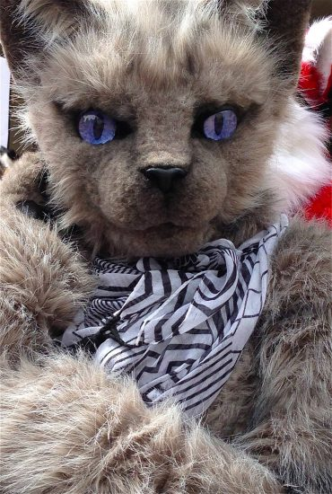 Oooo! It's a kitty-cat!