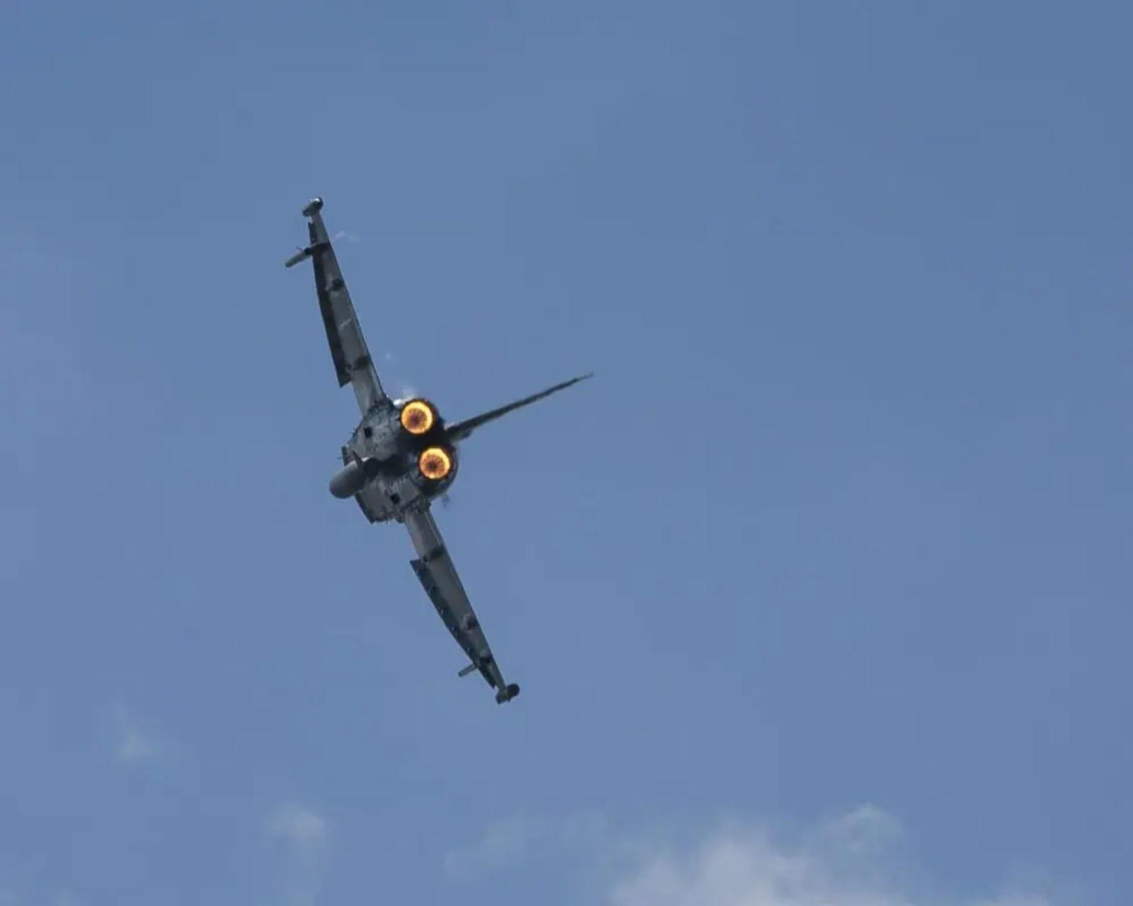 Fighter jet | Filtronic PLC