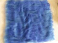 Auch bei der Rückseite werden verschiedene Blautöne, ...