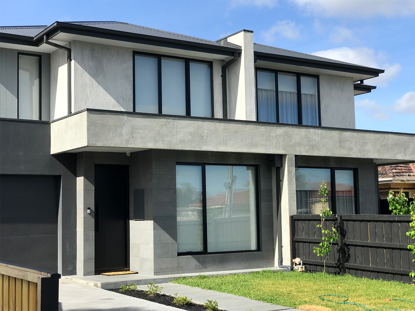 steel trowel sand finish_uni rock_rendering melbourne_keilor east