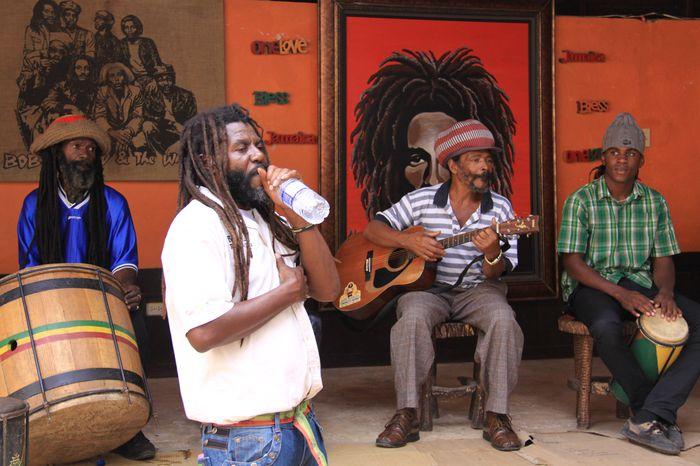 Man Älskar Bob Marley När Man Är På Jamaica!