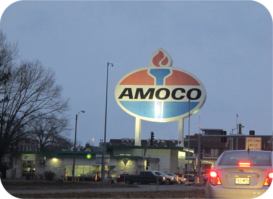Giants on Route 66: Giant Amoco Sign!