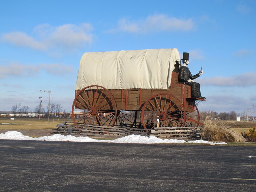 Giants on Route 66: Worlds largest covered wagon