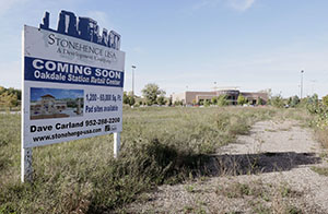 MSP Commercial hopes to build a new mixed-use development just off Interstate 694 in Oakdale. The building would host an Allina Health clinic and other retail and office uses, according to city documents. (Staff photo: Bill Klotz)