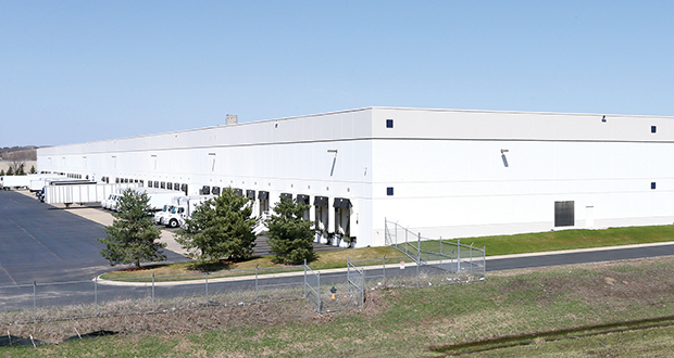 New York-based J.P. Morgan recently paid $32 million to acquire three warehouses in Shakopee and Savage, including the Minnesota Valley Distribution Center, shown above, at 3350 Fourth Ave. E. in Shakopee. (Staff photo:Bill Klotz)