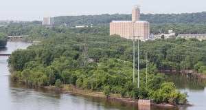 Developer Jim LaValle wants to build apartments, offices and some public space on the site of the former Island Station power plant in St. Paul. This view of the site is from the High Bridge over the Mississippi River. (Staff photo: Bill Klotz)