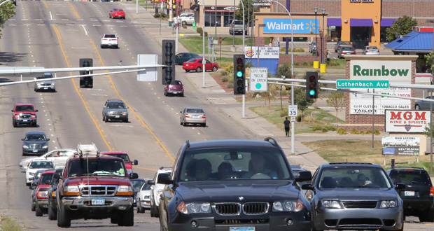 The city of St. Paul's vision for a streetcar network includes a portion of Robert Street. West St. Paul, however, could oppose streetcars along the corridor because of cost, said Jim Hartshorn, that city's community development director. (File photo: Bill Klotz)
