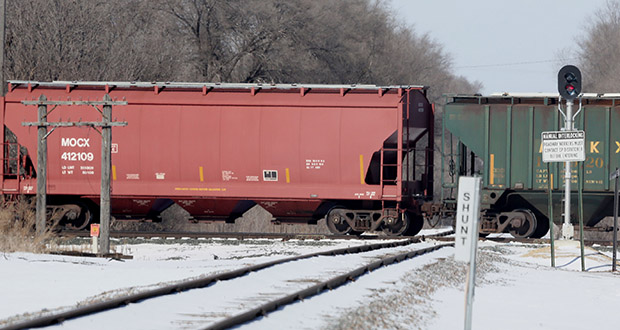 The Burlington Northern Santa Fe Monticello spur crosses the Canadian Pacific mainline near Bottineau Boulevard in Crystal. The railways have proposed a connection that would route some of the mainline traffic south on the BNSF spur. (Staff photo: Bill Klotz)