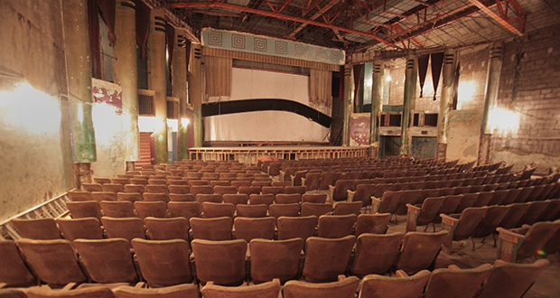 The single-screen Hollywood Theater, as seen in this file photo, has been vacant since 1987. (File photo: Bill Klotz)