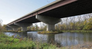 The Minnesota Department of Transportation wants to replace this Interstate 35W bridge over the Minnesota River between Bloomington and Burnsville. Construction could begin in 2017 if funding becomes available. Staff photo: Bill Klotz