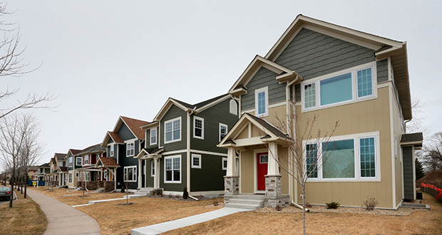A row of new houses facing Humboldt Avenue North at 49th Avenue North are the first of 65 being built in the Parkside at Humboldt Greenway community by a subsidiary of Minneapolis developer Alatus LLC. (Staff photo: Bill Klotz)