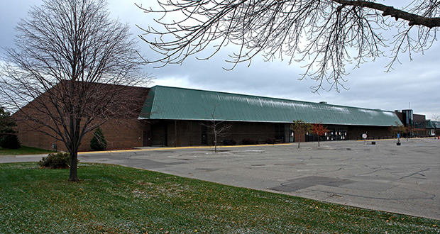 Schmitty & Sons, which operates more than 100 buses from its Lakeville headquarters, has added a second location, paying $7.9 million for this retail building at 3100 Highway 13 W. in Burnsville. (Submitted photo: CoStar)