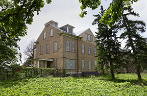 The largest building at Fort Snelling's Upper Post is the former hospital, where Dominium plans 24 affordable housing units. (File photo: Bill Klotz)