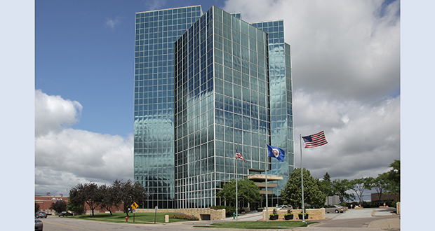 Transwestern increased the occupancy rate of the Minnesota Center office tower at 7600 France Ave. S. in Bloomington from about 60 percent in 2014 to 97 percent today. (File photo: Bill Klotz)