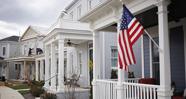 Roofstock is pitching a chance for those interested in owning single-family rental homes to start small. The company plans to buy homes and put them in a trust, and then sell stakes. (Bloomberg file photo)