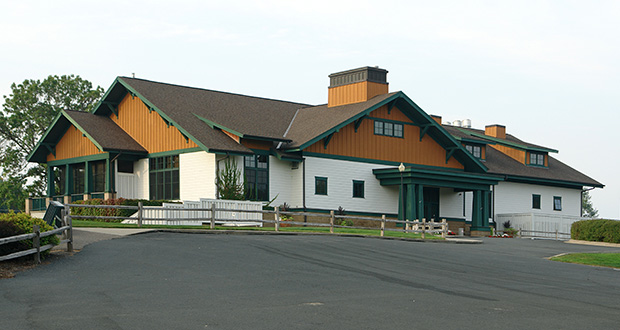 The St. Paul Port Authority is considering plans to redevelop the 112-acre former Hillcrest Golf Club, including the clubhouse at 2200 Larpenteur Ave. in St. Paul. The course closed in 2017. (Submitted photo: CoStar Group)