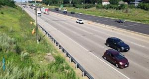 """Interstate 94 in St. Paul as seen from Victoria Street, where a proposed """"lid"""" project could build up to 21 acres of new developable space over the busy highway. (Staff photo: William Morris)"""