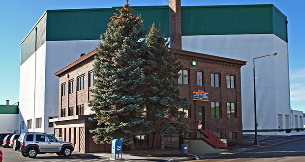 Industrial and office space at 739 Vandalia St. and 2210 Territorial Road W. in St. Paul constitute two of the properties Capital Partners and DRA purchased as part of a $96 million industrial portfolio. (Submitted photo: CoStar)
