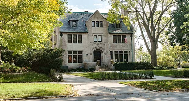 The Davidson Hotel at 344 Summit Ave. in St. Paul still has the appearance of a single-family home from the outside and was renovated to allow it to be converted back into a home. (Submitted photo: The Davidson)