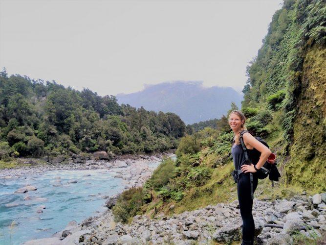 Basisinkomen back to basics hike welcome flat hut