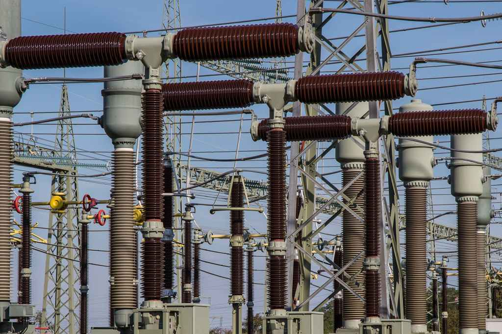High-Voltage Insulator Cleaning Service