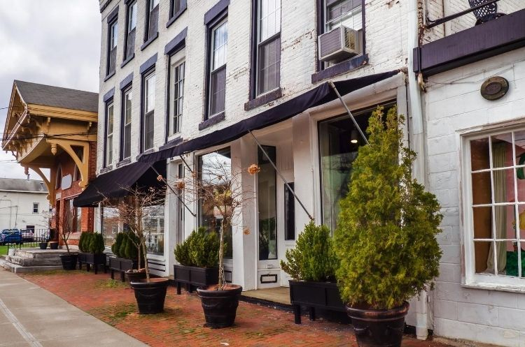 Ways To Improve Your Small Business's Curb Appeal