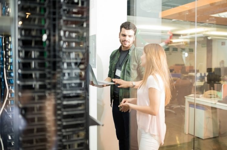 How To Find the Best Server for Your Small Business