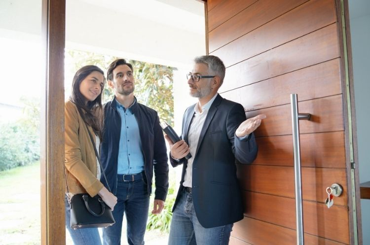 Clever Ways Real Estate Agents Can Improve Their Business