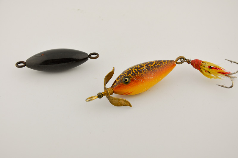 Heddon Artistic Minnow Lure with Buoy