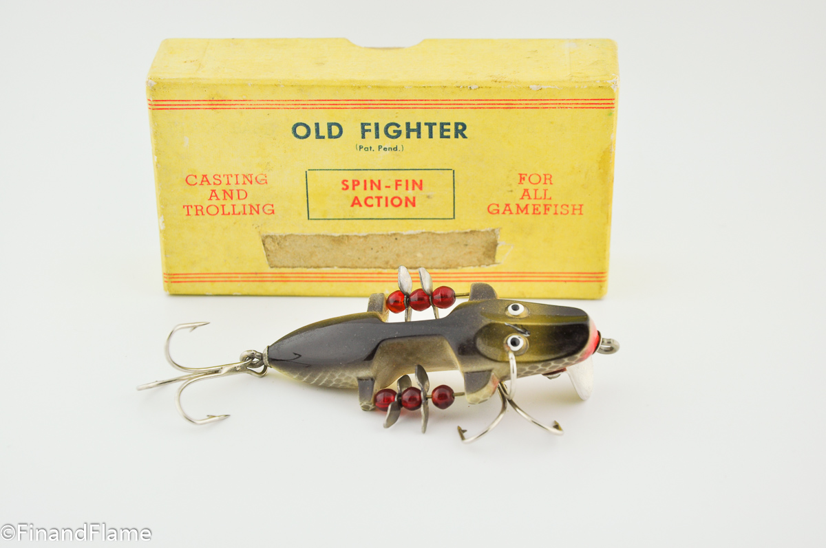 Old fighter lure fin and flame fishing for history for Vintage fishing lures ebay