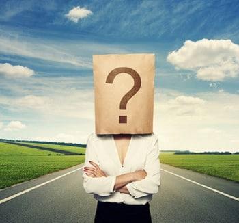 torba ze znakiem zapytania na głowie