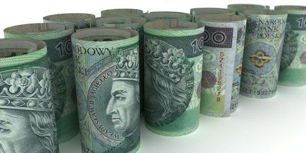 pozwijane banknoty 100 zł