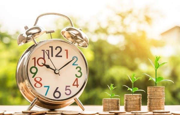 zegar i monety