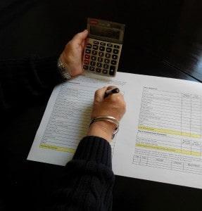 Listar los compromisos financieros