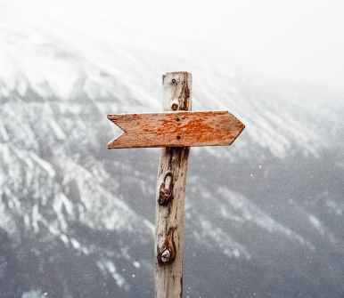 mountains nature arrow guide