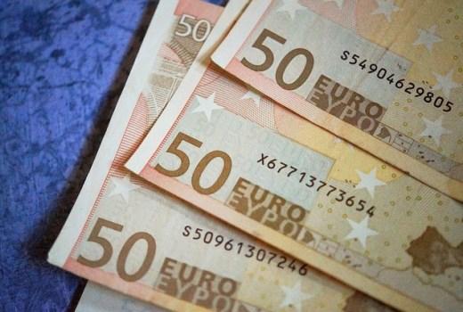 1000 Euro Kredit hier auf der smava Vergleichsplattform.