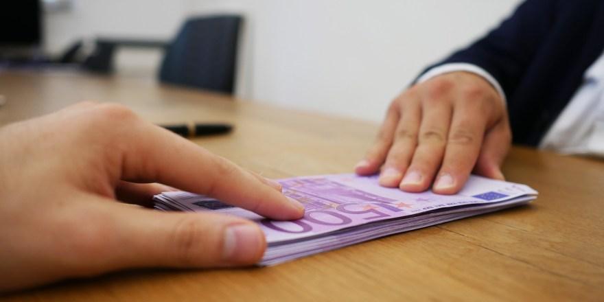 Kreditanfrage abgelehnt wider Willen. 5000 Euro ohne Schufa Kredit. Sofortkredit vom Marktführer hier anfordern.