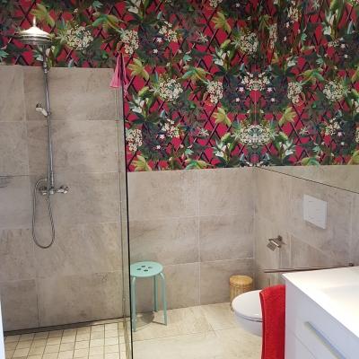 Badezimmer zum Kaminzimmer