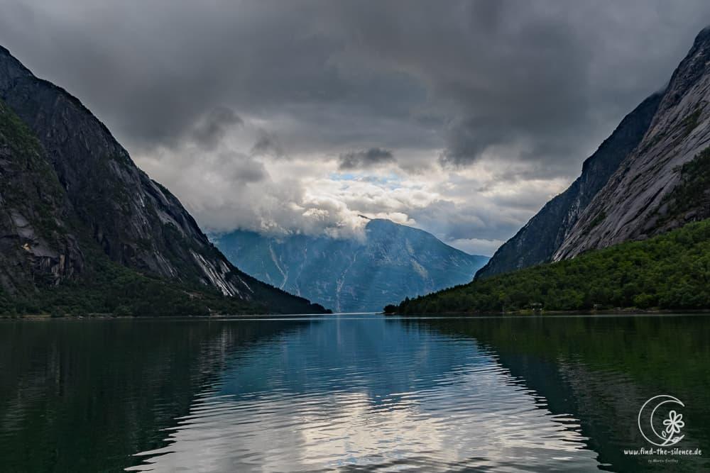 Der Eidfjord am Abend