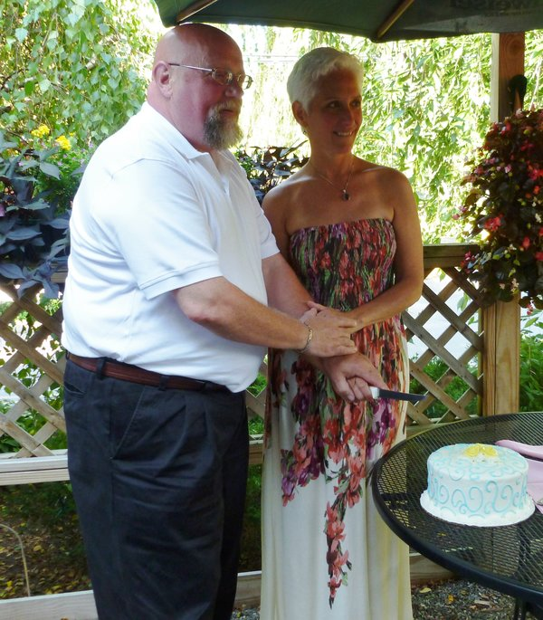 rsz_053_cutting_the_cake_cropped-1592856568