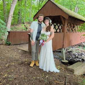 The weather was perfect for a wedding in the woods in Manchester.
