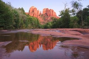 320px-Cathedral_Rock_at_Red_Rock_Crossing