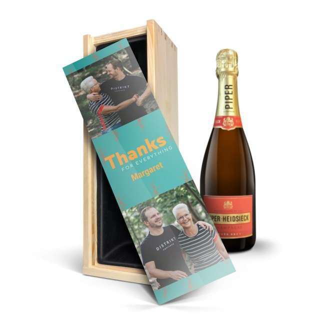 Champagne i en personlig luksusgraveret kasse Image