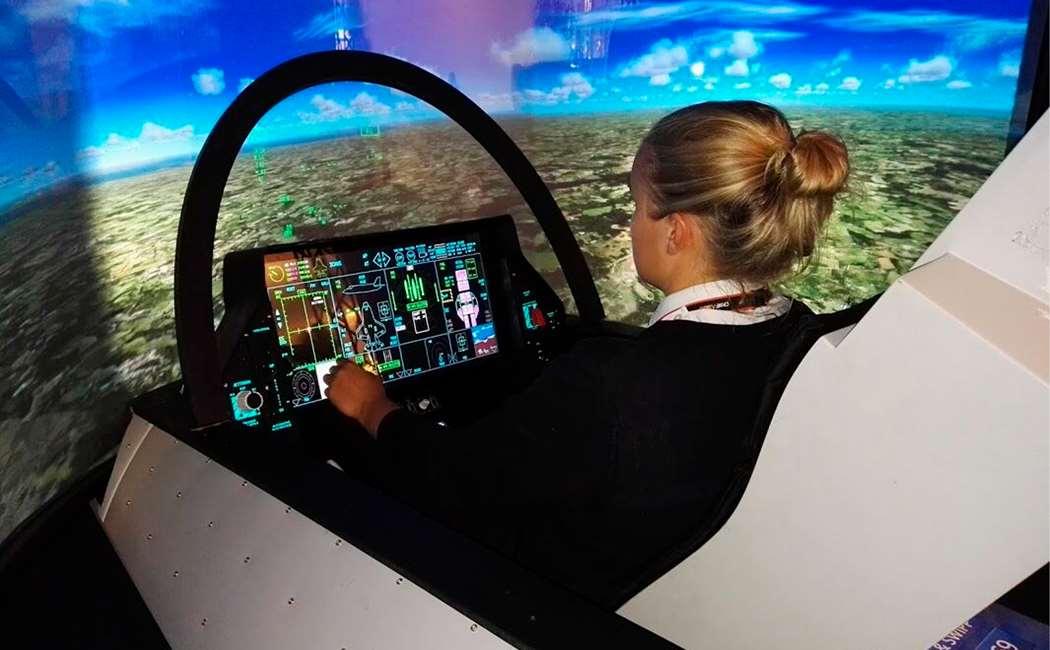 Prøv F-35 Simulator Image