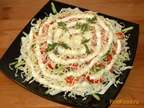 Салат из пекинской капусты и колбасы рецепт с фото