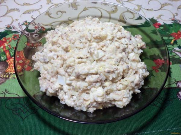 Салат из рыбной консервы рецепт с фото