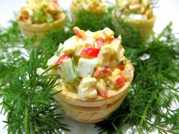 Салат из крабовых палочек в тарталетках рецепт с фото