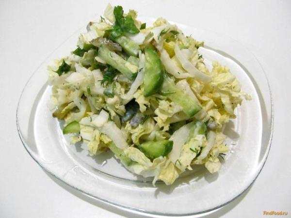 Салат из пекинской капусты и огурцом рецепт с фото