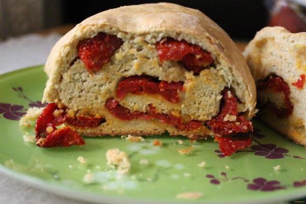 Хлеб с вялеными помидорами рецепт с фото